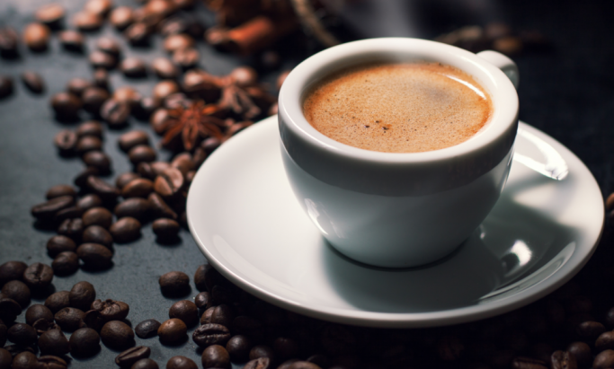 rykende varm espresso