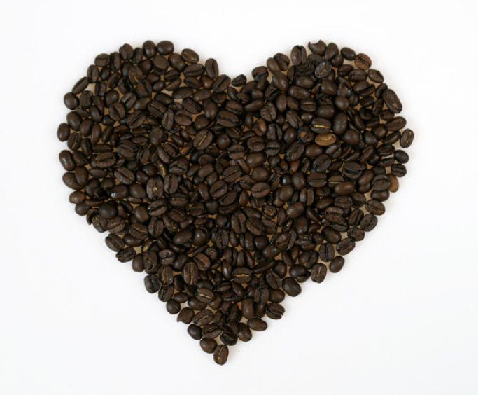 Kaffebønner i hjerteform