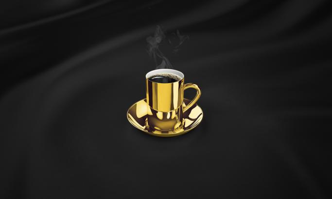 Evergood kaffekopp i gull på sort silke